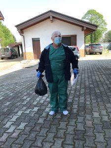 Luigi Suanno con mascherine e protezioni