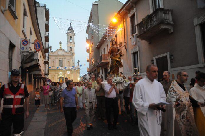 Vigevano carmine processione