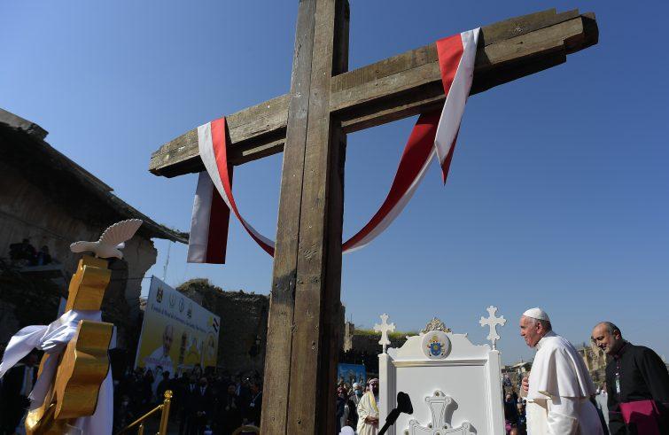 Osservatorio 12-03 Papa Francesco - croce
