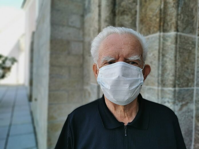 Coronavirus vaccini anziano fragile