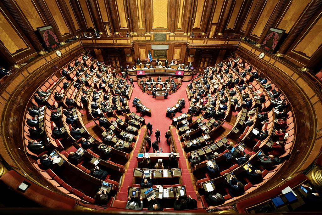 PP Osservatorio 30-04 Draghi Parlamento veduta Camera