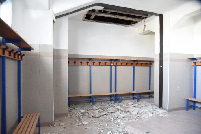 Vigevano Stadio Dante Merlo soffitto crollato