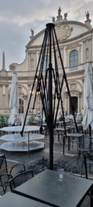 VIG Piazza ombrelloni bruciati 2